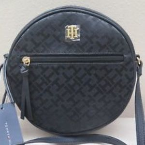 Tommy Hilfiger Bags - NWT Tommy Hilfiger Black Round Crossbody purse